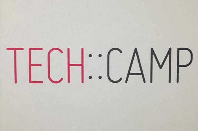 TECH::CAMPロゴ